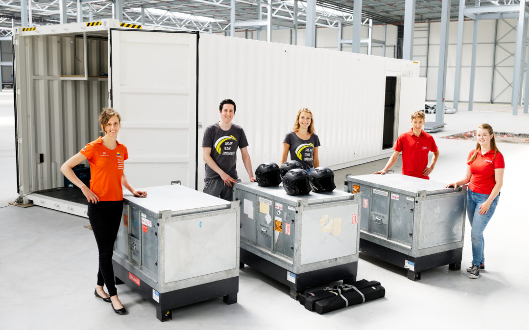 Batterij van Delftse, Eindhovense en Twentse zonneraceteam onderweg naar Australië