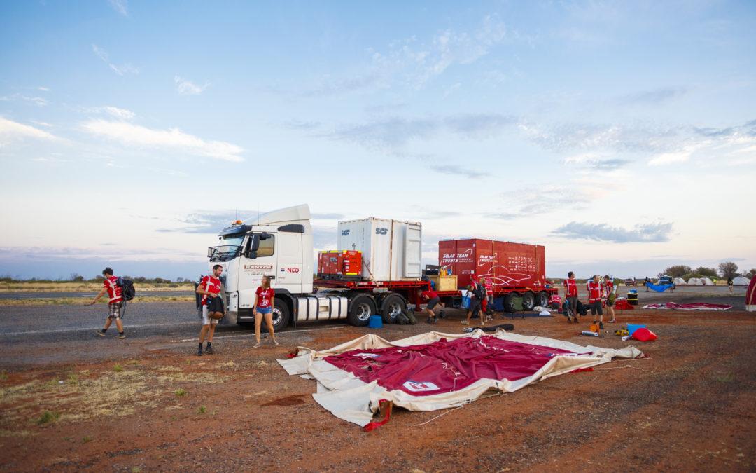 Een kijkje in het konvooi: de vrachtwagen